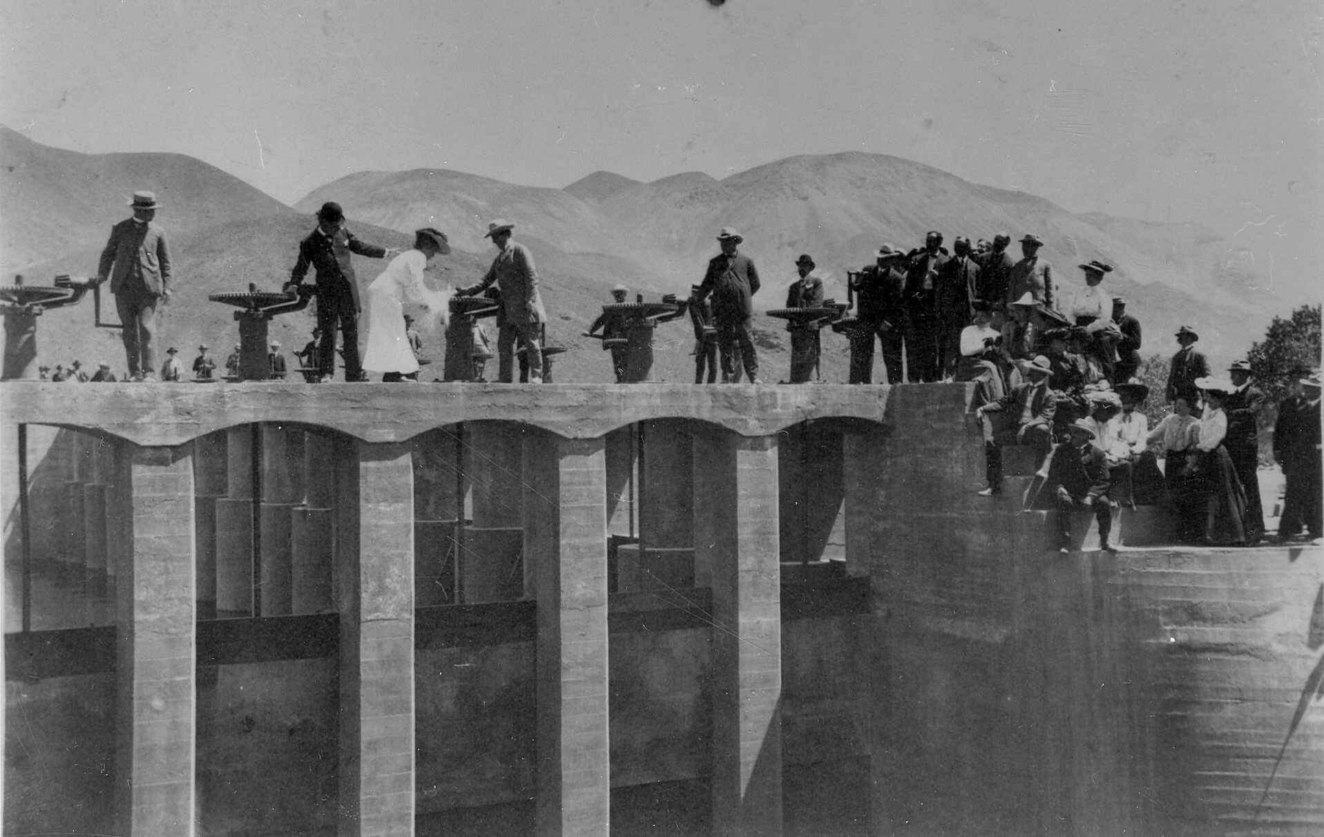People atop the Lahontan Dam in early 1900s.